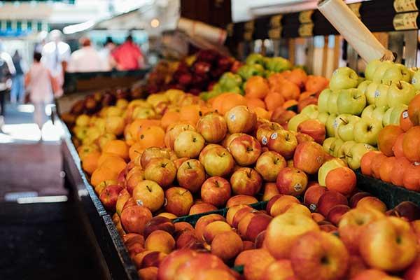 The Shoppers Dilemma: Buy Local or Fair Trade